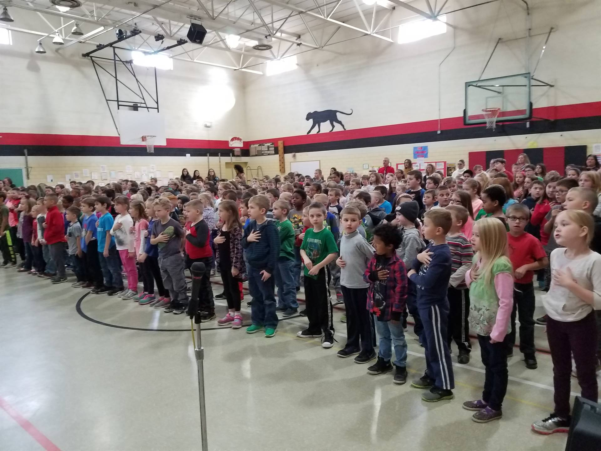 NES students singing at Veterans Day assembly