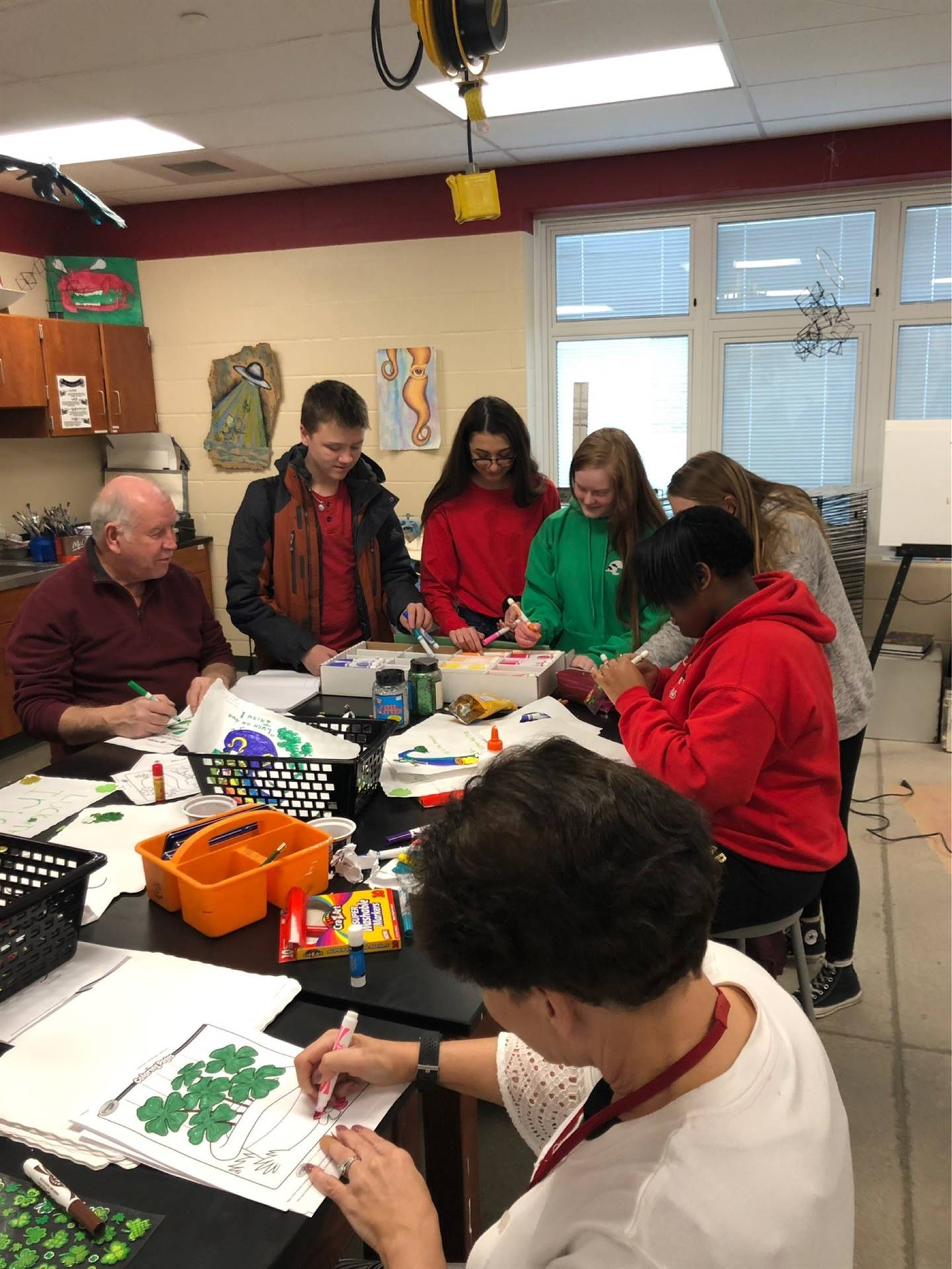 Key Club and Art Club Making Place Mats for Mobile Meals