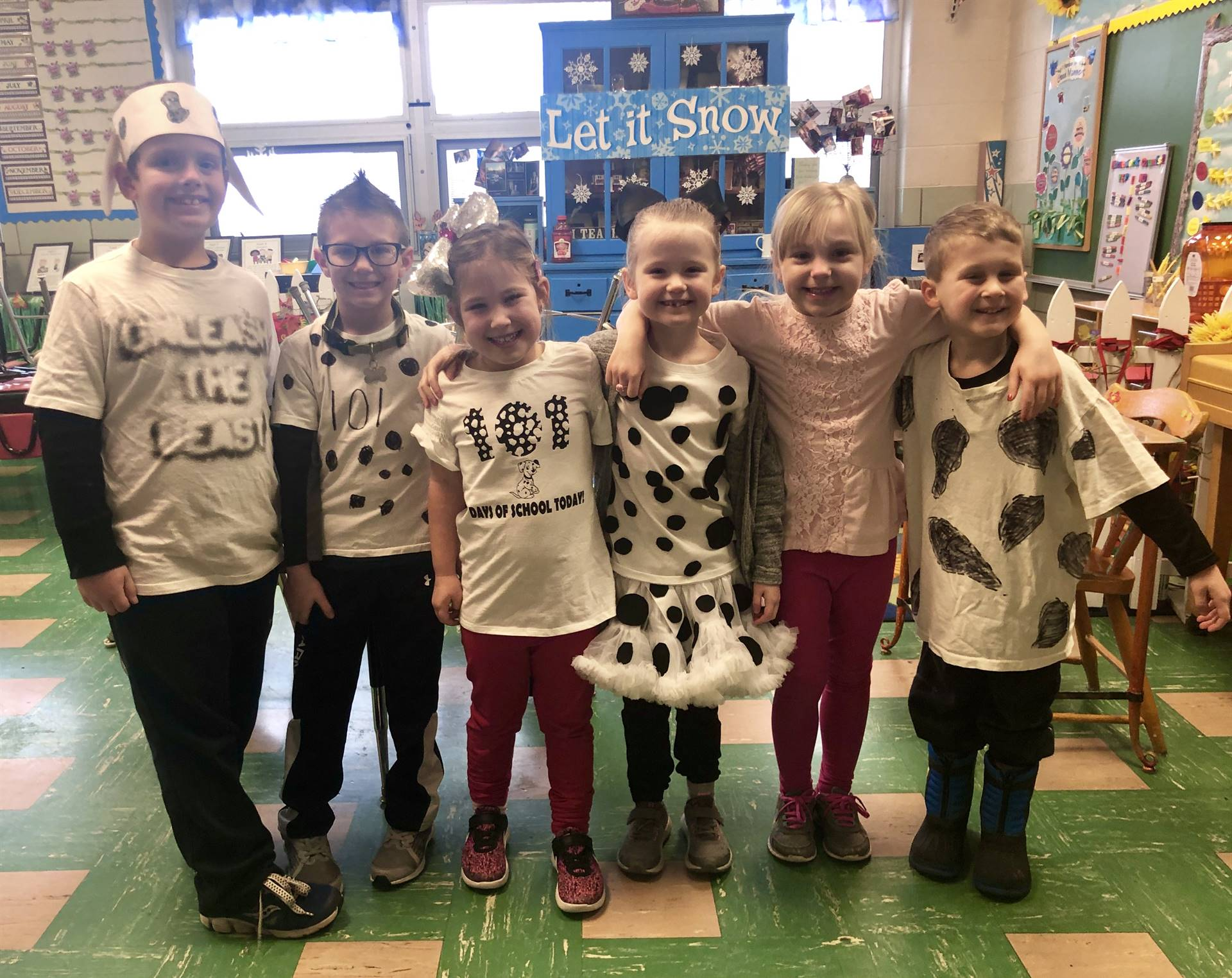 Kindergartners Celebrating 101 Days of School