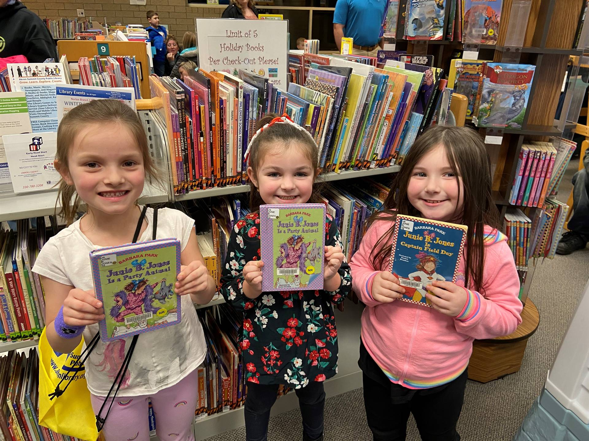 Kindergarten Students go to the Norton Library!